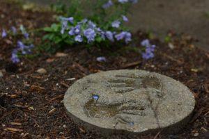 garden path child