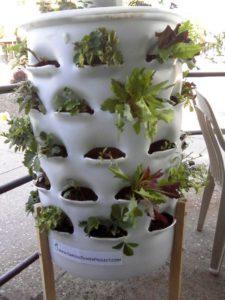 Vertical-Garden-Tower-DIY-Pictures